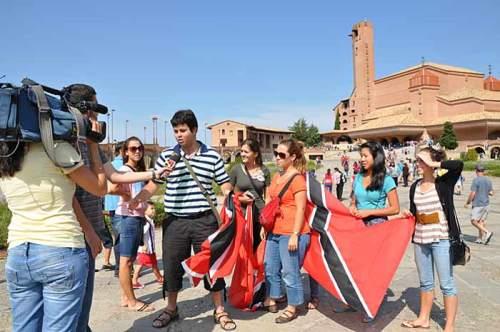 Jóvenes peregrinos de Trinidad y Tobago durante la Jornada Mundial de la Juventud (14 de agosto de 2011)